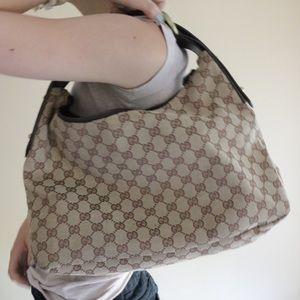 AUTHENTIC Gucci Supreme Canvas Tote Shoulder Bag !
